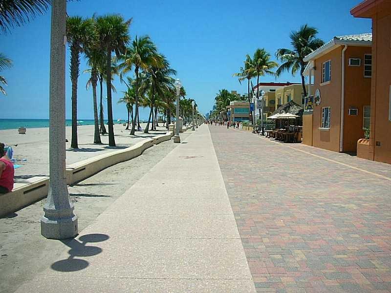 21 Units Beachfront Motel With Restaurant And Tiki Bar On